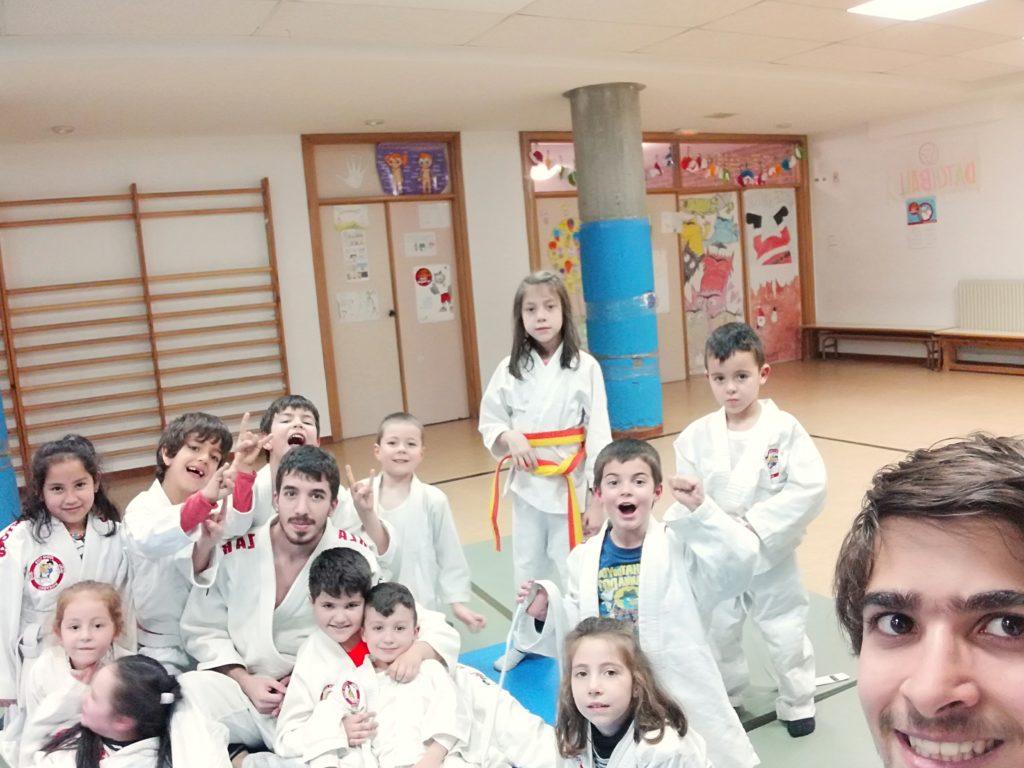 alumnos del colegio Santa Teresa